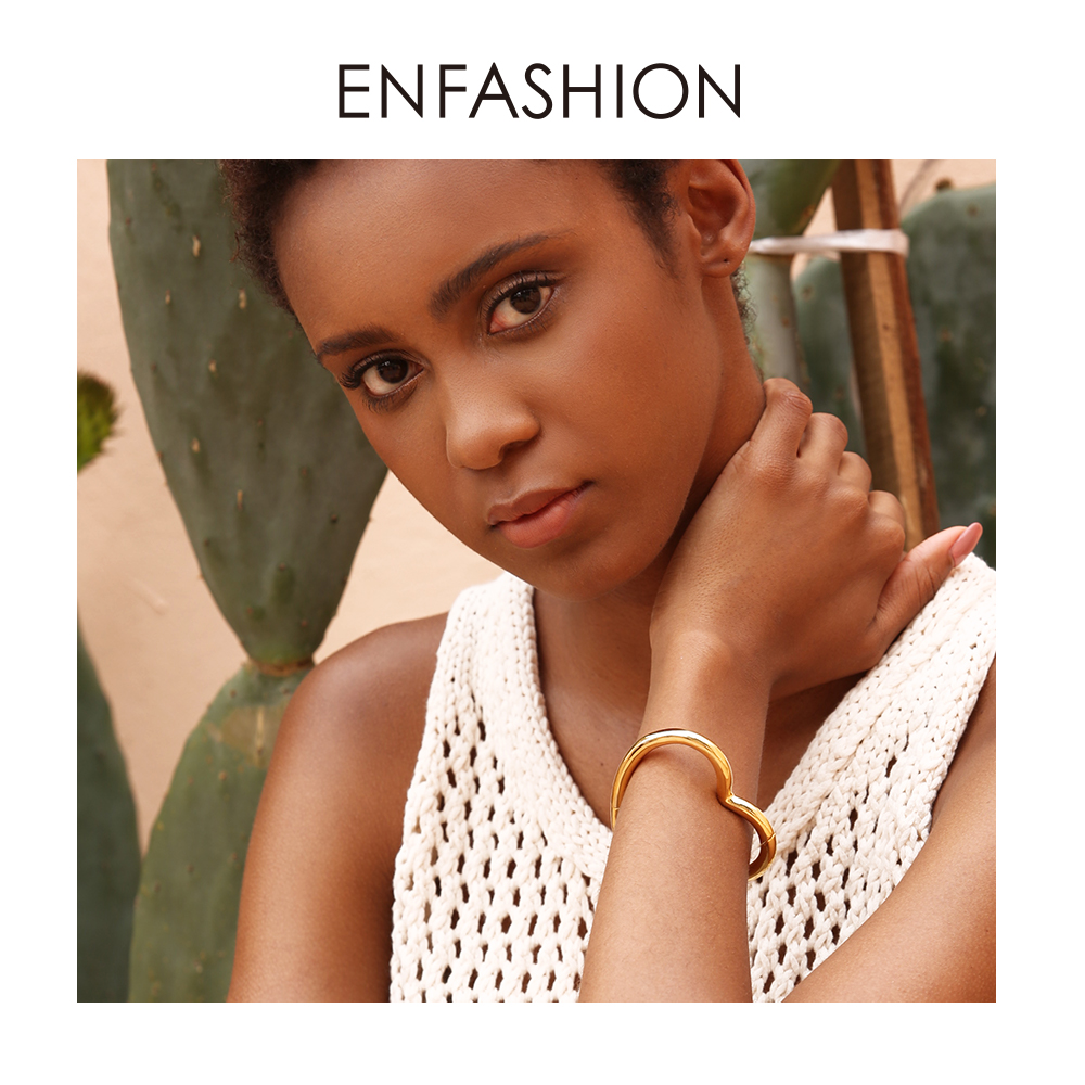 ENFASHION Heart Cuff Bangles For Women Accessories Gold Color Brass Bracelets Fashion Jewelry Friends Gifts 2019 Pulseira BC2006ENFASHION Heart Cuff Bangles For Women Accessories Gold Color Brass Bracelets Fashion Jewelry Friends Gifts 2019 Pulseira BC2006