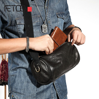 AETOO Leather cylinder bag men's shoulder bag diagonal cross bag personality vintage men's casual retro men's bag first layer