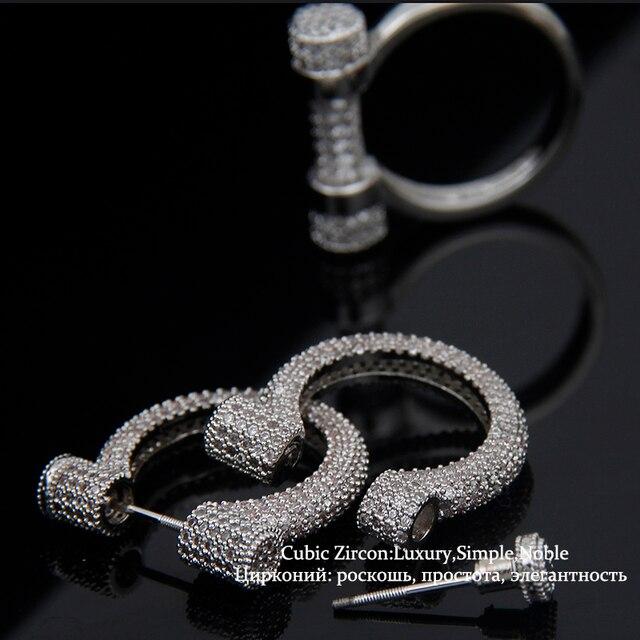 Forma de ferradura requintado micro pave definindo prego parafuso prisioneiro brincos mulheres banhado a ouro branco da forma do punk jóias bijoux we118