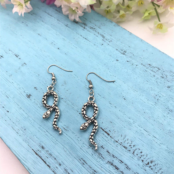 Hot Snake Charm Dangling Earrings Zinc Alloy Antique Silver Women Girl Herpetologist Jewelry Accessories Valentine 39 s Day Present in Drop Earrings from Jewelry amp Accessories