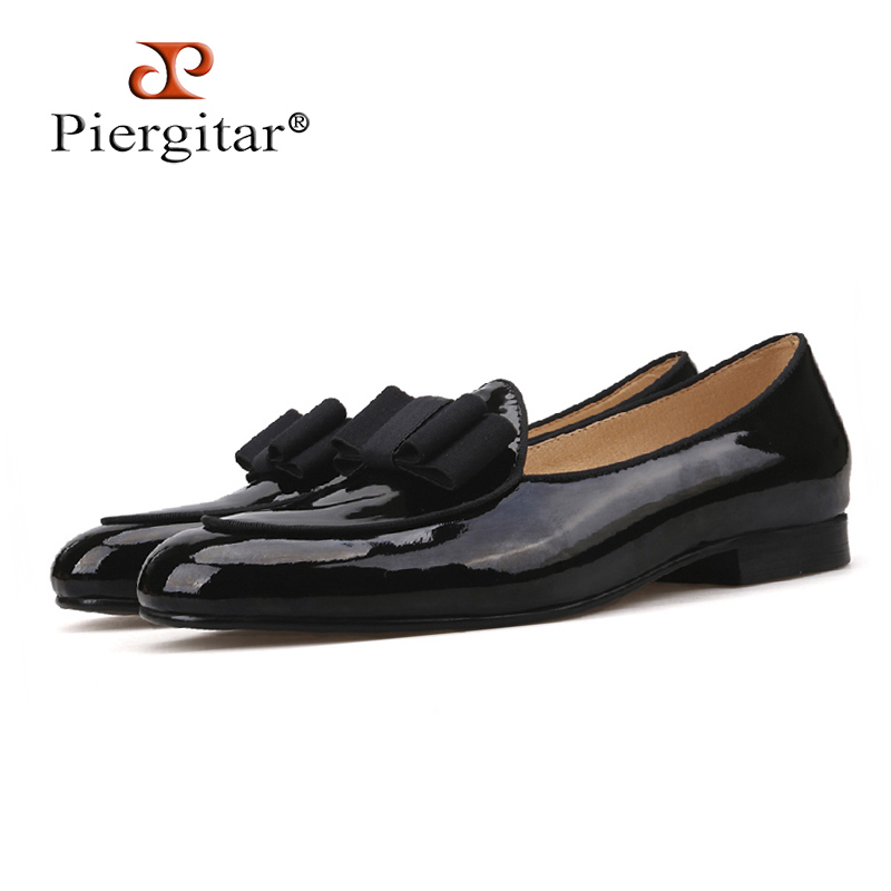 Piergitar 2018 new Patent Leather stitching with Bowtie men's loafers Banquet and Wedding men's dress shoes slip-on men shoes leisure men s loafers with hollow out and stitching design