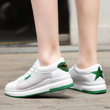 Hot Women Sneakers Fashion Breathble Vulcanized Shoes  Platform Lace up Casual Tenis Feminino Zapatos De Mujer