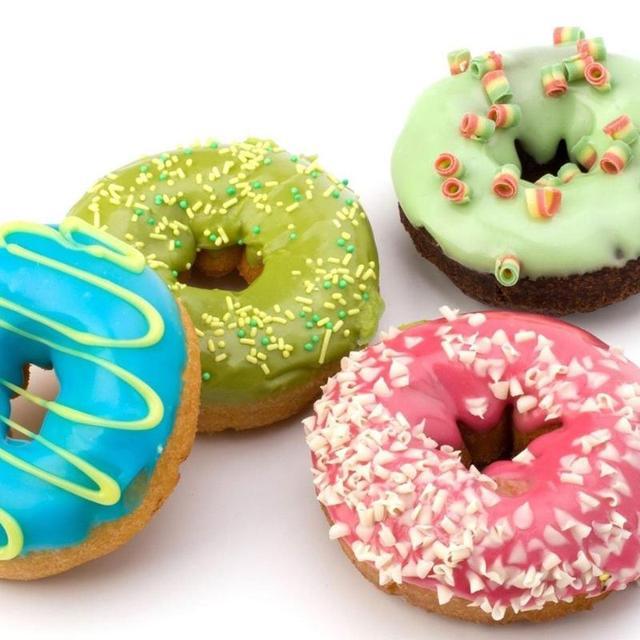 Plastic Light weight Donut Maker Dispenser Deep Fry Donut Mould Easy Fast Portable Arabic Waffle Doughnut Gadget Drop Shipping 3