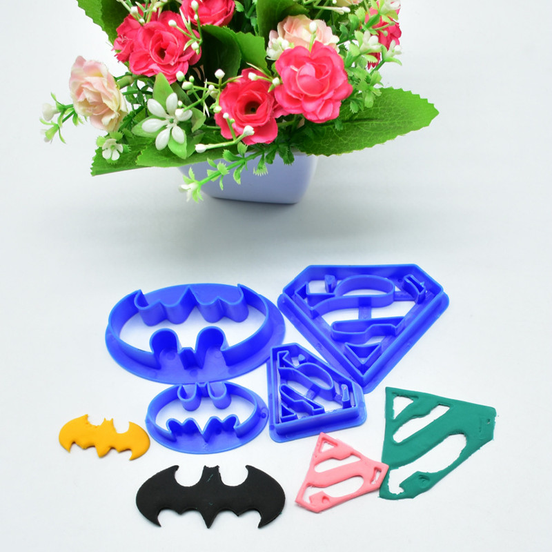 4Pcs-set-Super-Hero-Batman-And-Superman-Fondant-Cake-Decorating-Sugar-Cookie-Biscuit-Cutter-Pastry-Bakeware
