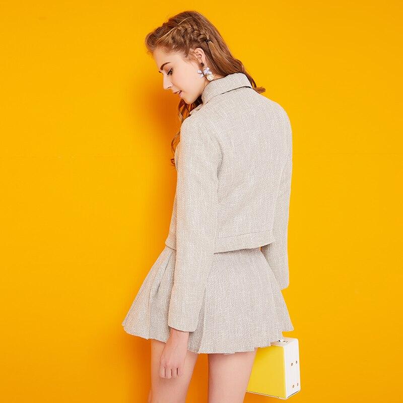 2017 Nuovo Femminile Coreano Piccoli Fiori Profumati Del Tutto Fiammifero vestito da A Line + A Maniche Lunghe Conjunto Feminino Breve E Blusa Autunno 2 pcs set-in Completi da donna da Abbigliamento da donna su  Gruppo 2