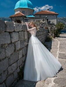 Image 2 - Tule UMA Linha De Casamento Vestidos O Pescoço Botão De Mangas Compridas Rendas Apliques Vestido De Novias 2019 Até O Chão vestido de Noiva para a Noiva