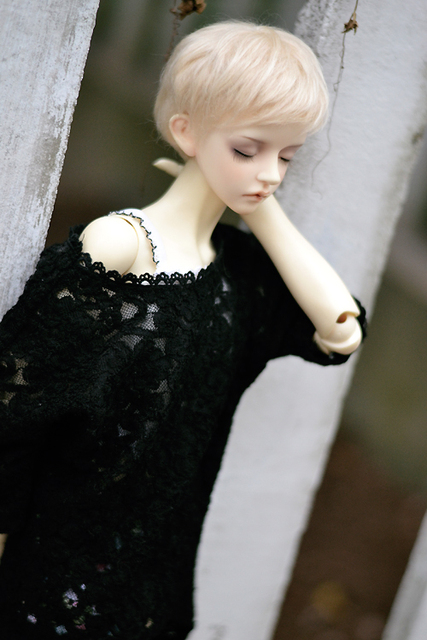 BJD Doll clothes cutout batwing sleeve - black new material