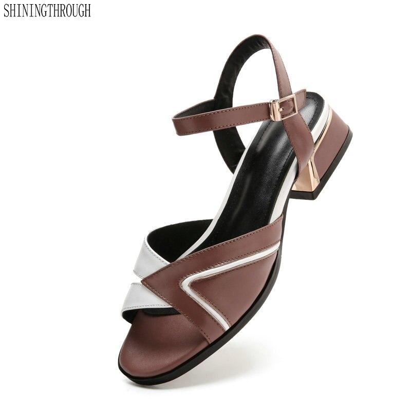 여름 패션 여성 신발 정품 가죽 낮은 스퀘어 발 뒤꿈치 버클 혼합 된 색상 숙 녀 샌들-에서로우힐부터 신발 의  그룹 1