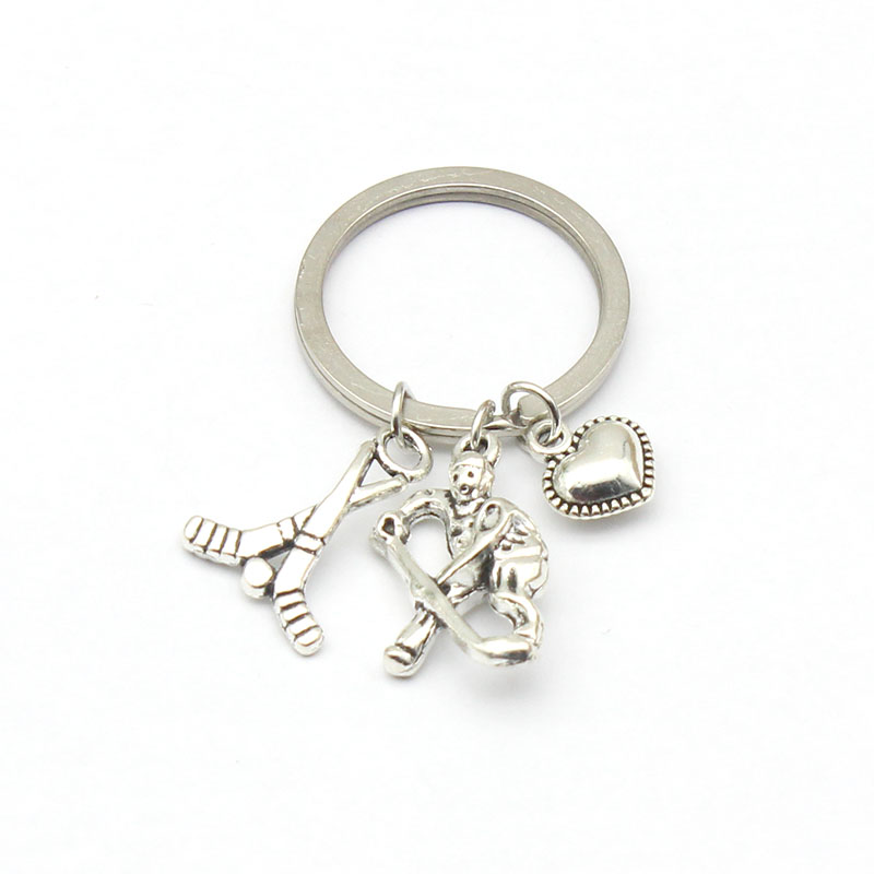 Antique Silver Hockey Players Pendant Key Ring Hockey Heart Charms Sports Keychain Jewelry Findings