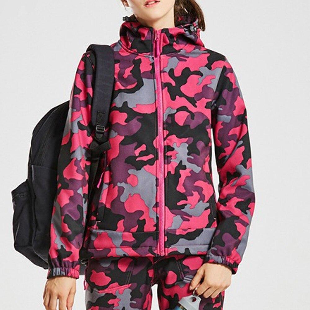 2018 Autumn Women's Outdoor Jacket Camouflage Soft Shell Assault Clothing Waterproof Women Hooded Sports Coat Outwear