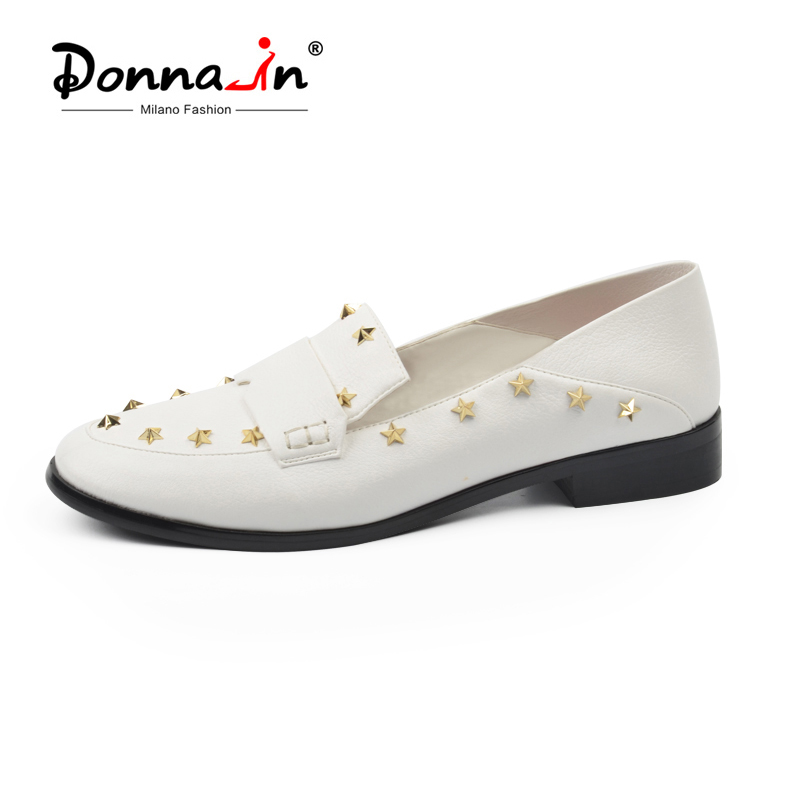 цена на Donna-in Brand Flats Shoes Women Genuine Leather Loafers Slip on Mules low Heels Round Toe Casual Pentagram Ladies Shoes Autumn