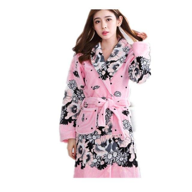 643a53b6b5c5 € 15.23 15% de DESCUENTO|Traje de baño de las mujeres de invierno de lana  de Coral de las mujeres Albornoz camisón Kimono Floral vestido de ropa ...