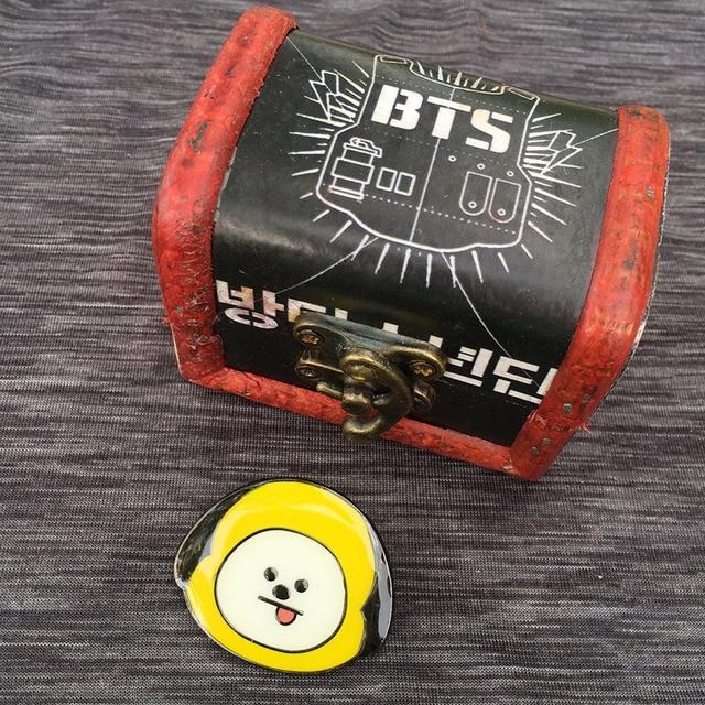 Брошки к-поп в ассортименте BTS 21 в подарочной коробке 2