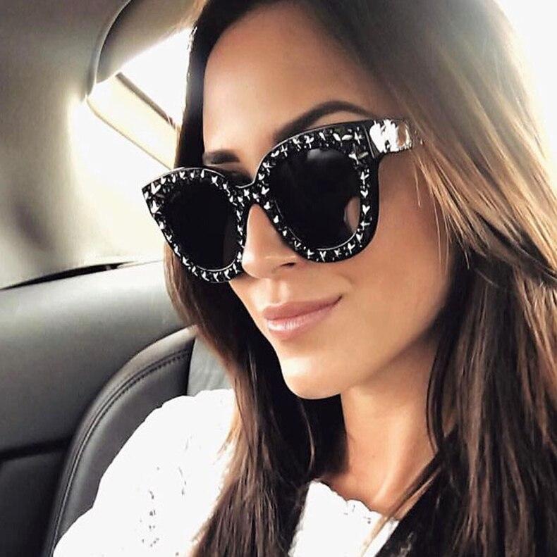 2019 Nova Praça De Luxo Óculos De Sol Das Mulheres Marca Designer Shades  Óculos de Sol Para As Mulheres Óculos De Sol Espelho Do Vintage 2018 damas  ... dffc42c75c