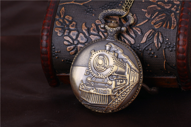 Retro Large Hot-sale Fashion England Craved Train Quartz Vintage Pocket Watch With Waist Chain