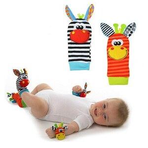 Image 3 - 2020จัดส่งฟรี (4ชิ้น = 2 Pcsเอว + ถุงเท้า2ชิ้น)/Lot,ของเล่นเด็กRattle Garden Bugและถุงเท้าเท้า