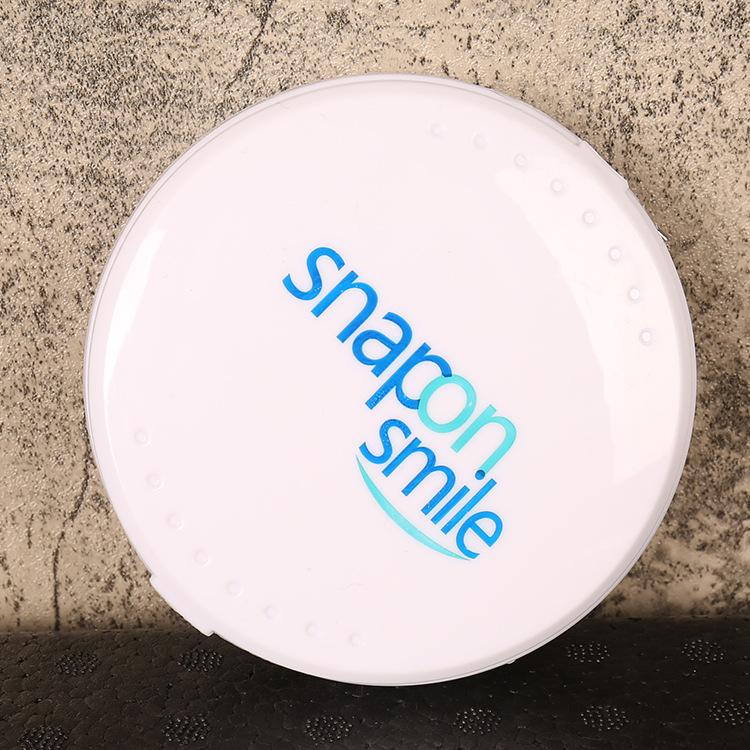 Natural Cosmetic Fake Tooth Cover Snap On Silicone Perfect Smile Veneers Teeth Upper Beauty Tool Teeth for Men Women Drop Ship 4