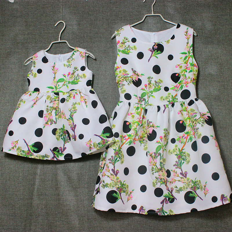 Brand floral prints pleated high waist Sleeveless sundresses mother and daughter dresses women girl dresses family look clothing brand a line floral embroidery pleated sleeveless skirts women girl sundresses family matching clothes mother and daughter dress