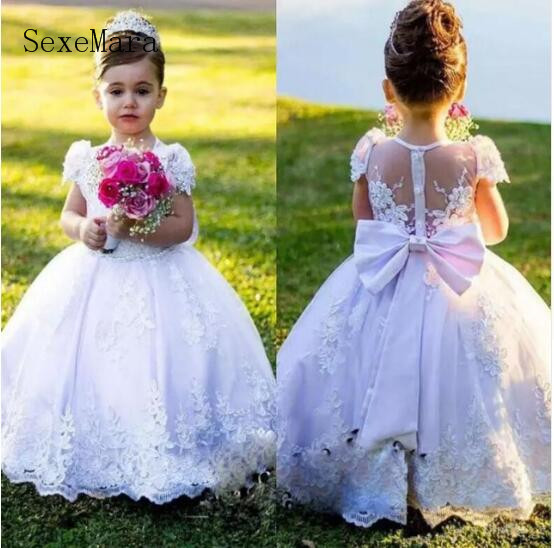 White Vintage Flower Girl Dresses Jewel Sash Bow Lace Baby Girl Birthday Party Christmas Communion Dresses Girls Party GownWhite Vintage Flower Girl Dresses Jewel Sash Bow Lace Baby Girl Birthday Party Christmas Communion Dresses Girls Party Gown