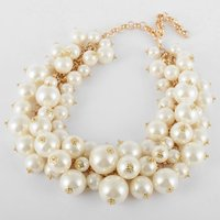 Fashion Jewelry Clearance Sale Online Gold Chain Lots White Pearl Beads Cluster Choker Necklace