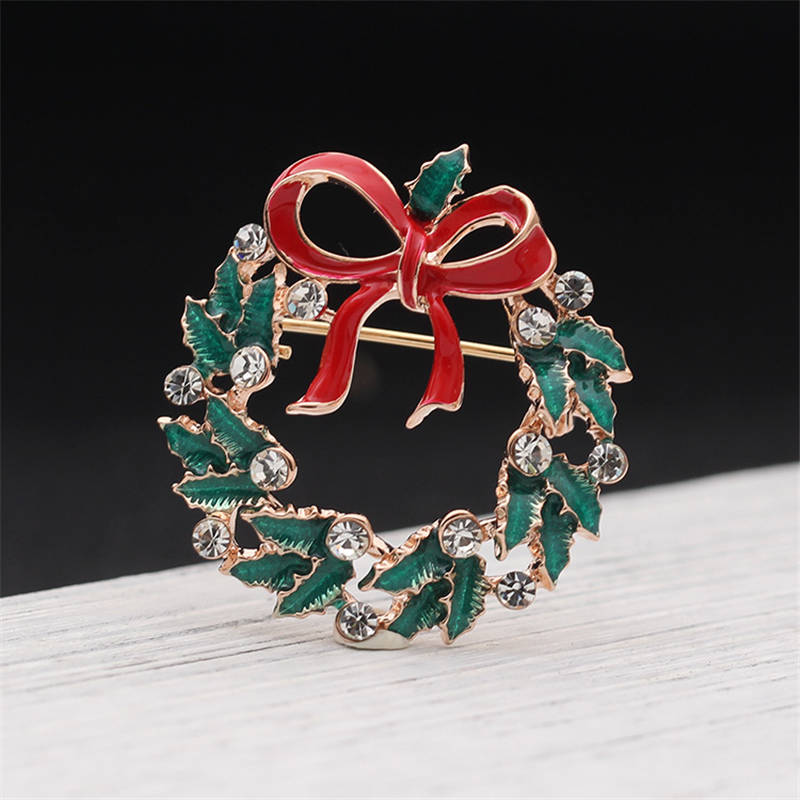 DoreenBeads 1PC Christmas Wreath Badge With Bowknot Enamel Safety Pin Brooch Cardigan Sweater Deco New Year Party 3.1CM*3.2CM