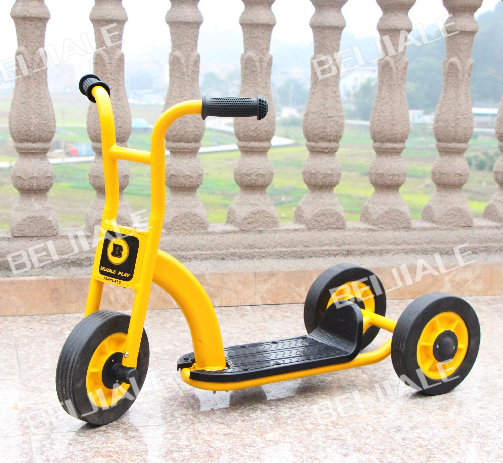 ФОТО Indoor and Outdoor Yellow Kids Tricycle New Style Fitness Three Wheels Pedal for Two Children Safte Baby Scooter