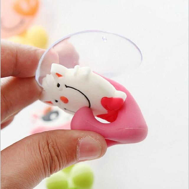 1 pz Cute Cartoon Animale Supporto di Tazza Spazzolino Da Denti di Aspirazione A Parete Ganci Porta Bagno Set Accessori Eco-Friendly Titolare Spazzolino Da Denti