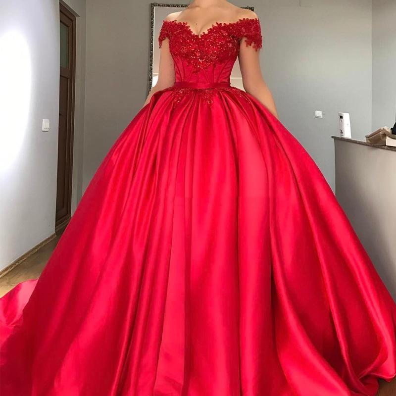Robe de bal rouge à épaules dénudées robes Quinceanera Appliques Corset à lacets en Satin perlé robes de bal seize robes douces