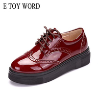 E TOY WORD 2017 Autumn Women Flat Platform Sneakers Brogue Patent Leather Lace Up Flats Shoes