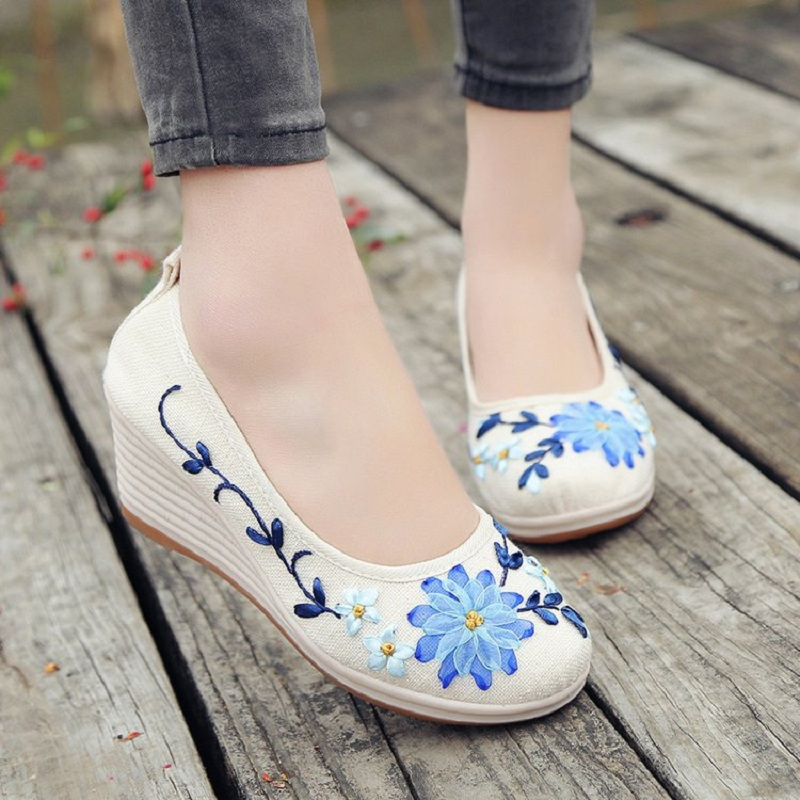 5 Color Spring Autumn Retro Ethnic Style Embroidery High Heels Women Pumps Ladies Casual Wedges Cloth Shoes Plus Size 35~40