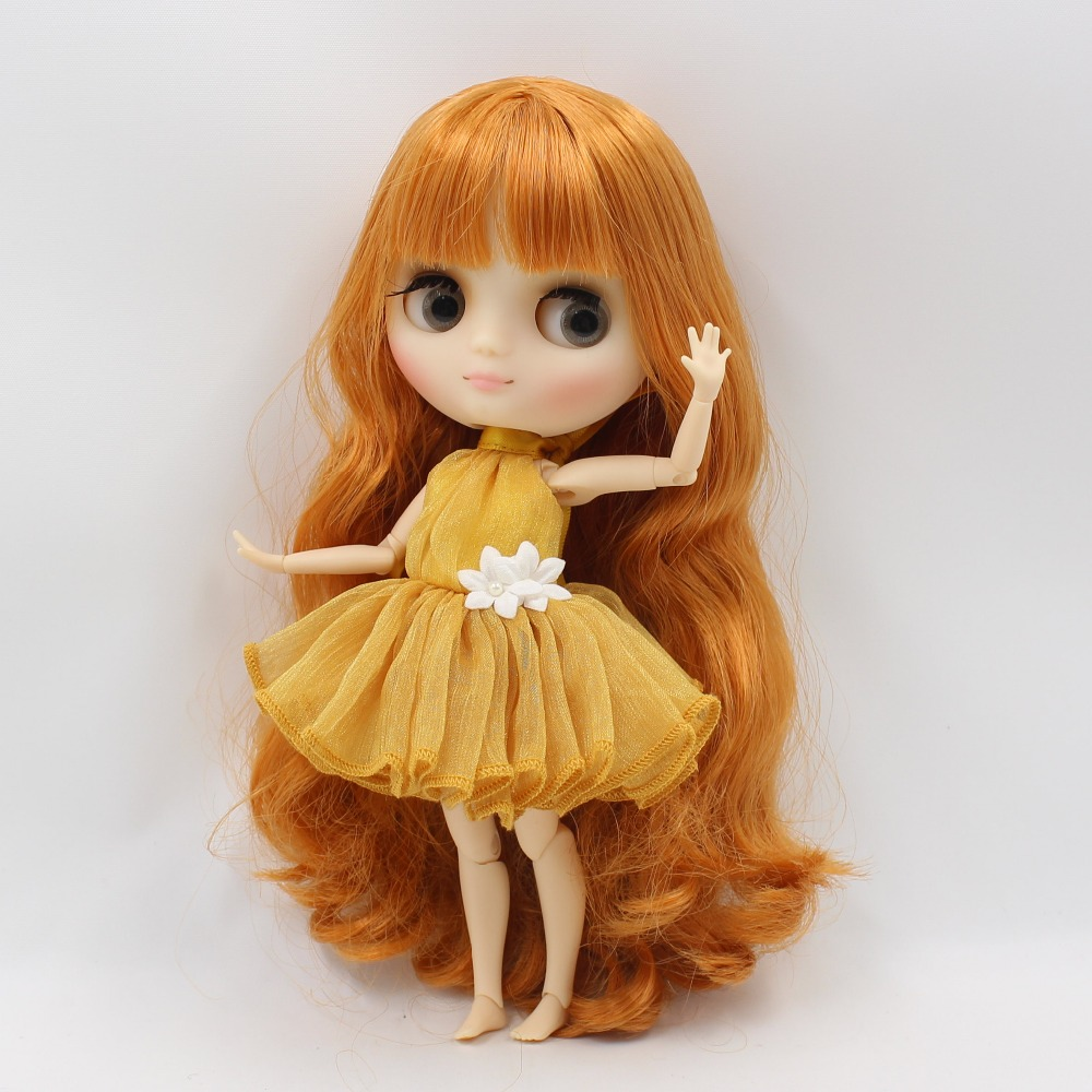 Middie Blythe Doll with Ginger Hair, Tilting-Head & Jointed Body 2