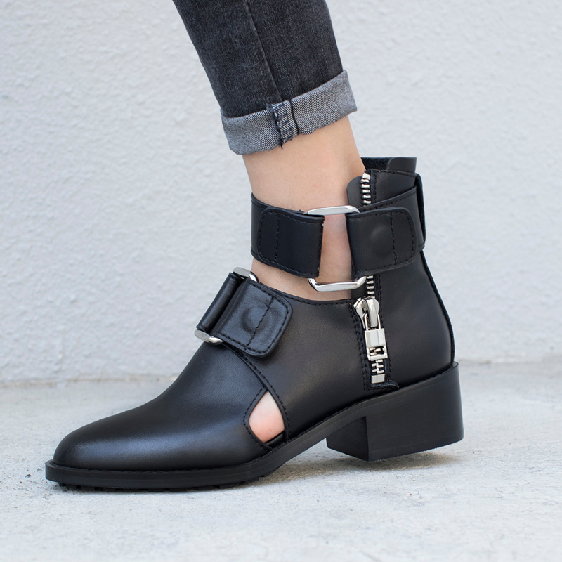 Casidueho Women Ankle Boots Leather Flats Dress Shoes Woman Cutouts Autumn Short Booties Fashion Show Buckle England Black Boots england new style genuine leather women short boots metal buckles flats dress shoes woman gladiator brand warm fur rain booties