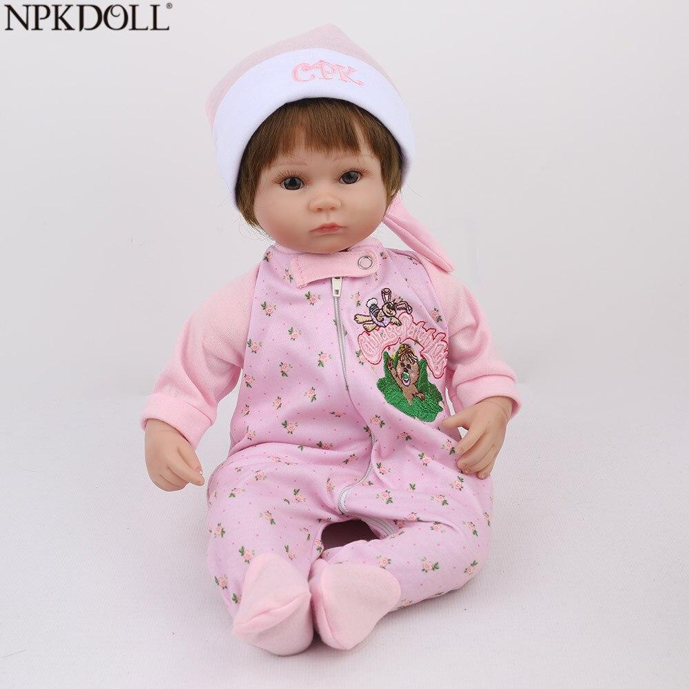 NPKDOLL Reborn bébé poupée rose fille calme cadeau d'anniversaire 16 pouces 45 cm brun doux cheveux dessin animé Silicone poupées Bebe Reborn