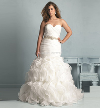 Designer Sweetheart Strapless Marriage Women Bridal Gown Romantic Pleat Mermaid Plus Size Wedding Dresses 2017 with Beaded Belt