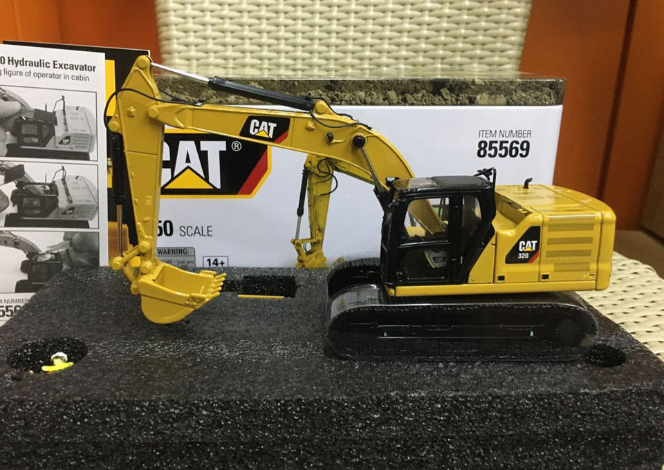 Diecast Toy Model DM 1:50 Scale Caterpillar Cat 320 Hydraulic Excavator Engineering Machinery For Boy Gift,Collection,Decoration