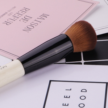 Powder Makeup Brush Wood Handle Dense Soft Round Bristle Full Coverage Face Powder Brushes Blush Contour Brush Make up Tool 3
