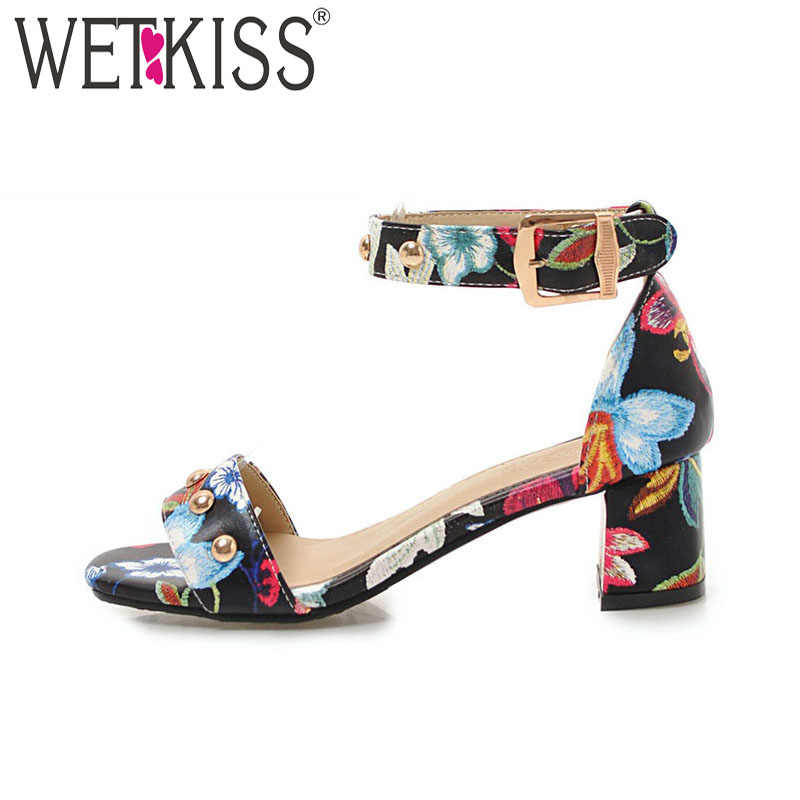 WETKISS Moda Çiçek Baskı Kadın Sandalet 2018 Yaz Ayak Bileği Kayışı kadın ayakkabısı Rahat Açık Ayak Ayakkabı Perçin Bayanlar Yüksek Topuklu