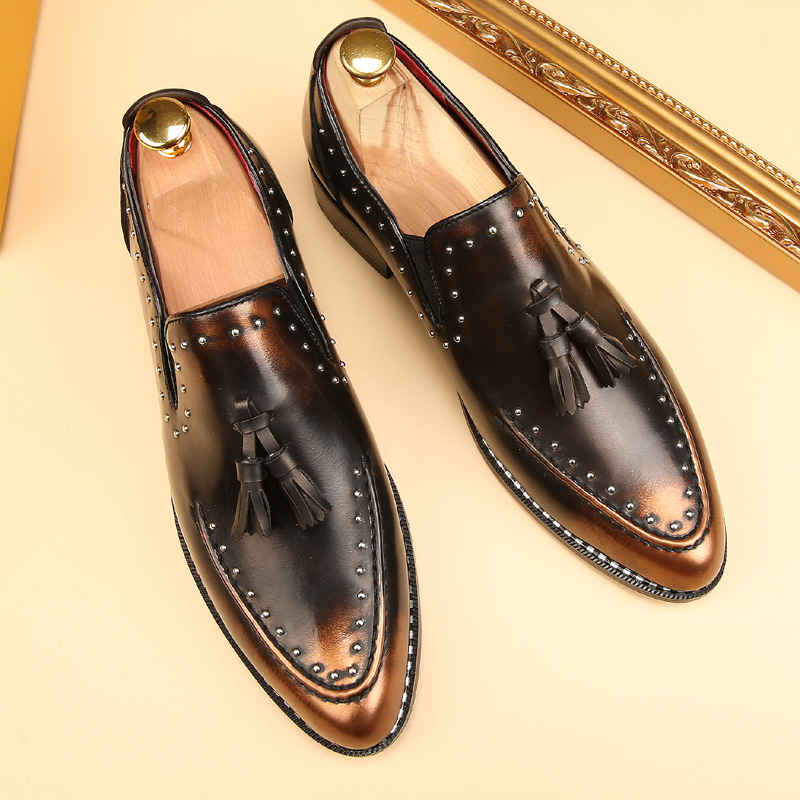 Кисточкой мужская обувь тенденции шипованных скольжения на мокасины мокасины мода люксовый бренд балета плоские тан золото оксфорд обувь ...