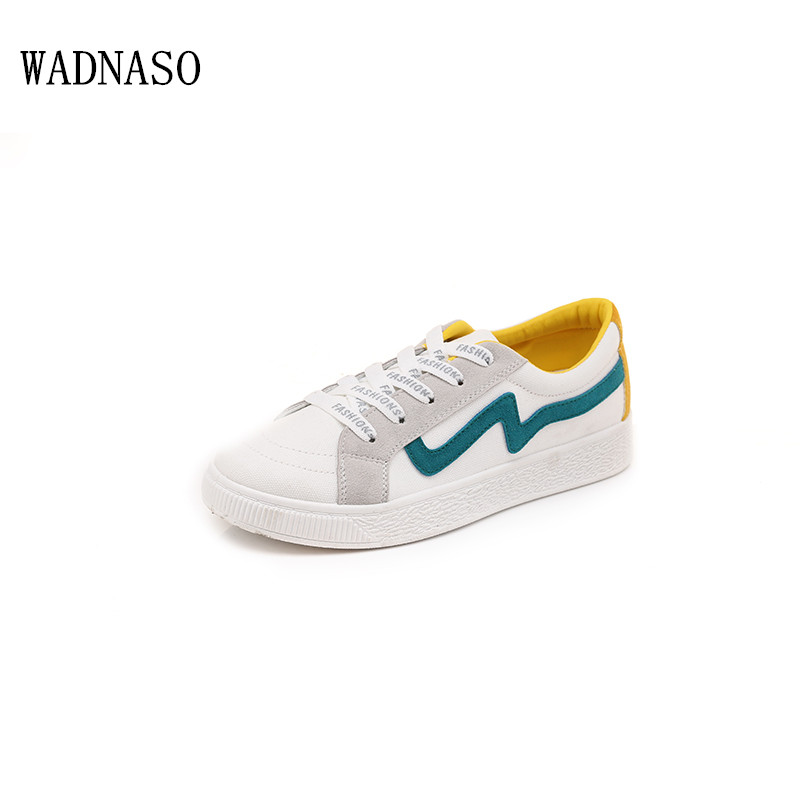 Women Vulcanize Shoes Flat Canvas Shoes 2018 New Summer Fashion Canvas Stitching Students Walking Shoes Lace Up Board Sh