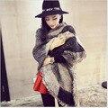 Большой бренд 2016 женщин шаль шарф зимний мех края бахромой хит угол шарф широкие полосы теплый леди шали кашемира A314