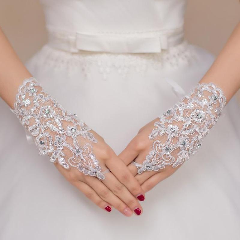 Fashion White/Red Elegant Short Wedding Gloves Lace Beaded Fingerless Bride Bridal Gloves Guantes De Novia Wedding Accessories