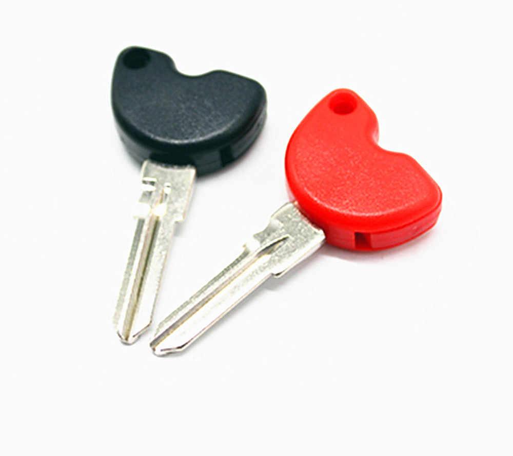 Clés de Scooter clés vierges embryon peuvent être installés puces pour Vespa 3vte 125 GTS GTV 250 300 300ie