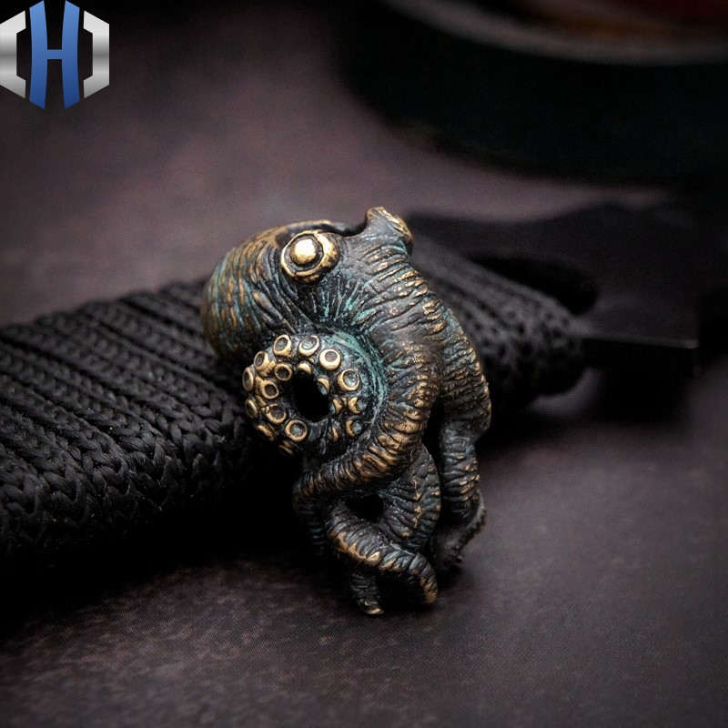 Original Bronze Old Dominator Octopus Cthulhu EDC Umbrella Rope Knife Pendant Handmade DIY Hanging Pendant broad paracord