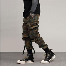 цена на Runway Hip Hop Pant Side Pockets Vintage Camouflage Cargo Pant Streetwear Casual Harem Pant Military Tatical Trousers Washed