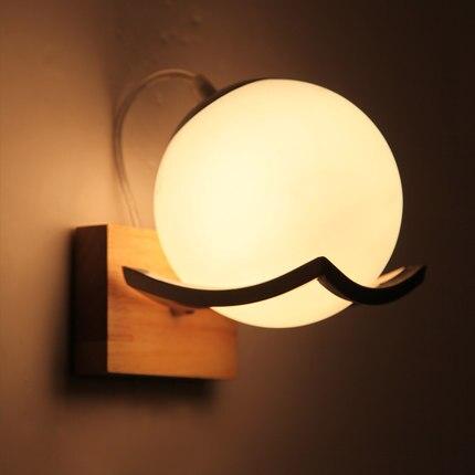 Kreatywny Ball szkło kinkiet ścienny proste nowoczesne drewniane ściany światła LED lampy do sypialni ściany oświetlenie domu lampy ścienne Lamparas w Wewnętrzne kinkiety LED od Lampy i oświetlenie na title=