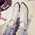 Новая осень женская обувь Мартин сапоги Британский стиль женский указал на низком каблуке женские сапоги и голые сапоги плоские ботинки женщин