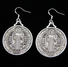 53x32mm 20pairs Antique Silver Saint Benedict Medal Cross Earrings 925 Silver Fish Ear Hook Chandelier E1644 40pairs antique silver filigree heart cross religious earrings 925 silver fish ear hook jewelry e425 20 5x45 3mm