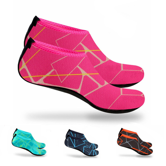 1709ffd841cf Hombres Mujeres agua piel zapatos Aqua calcetines neopreno buceo traje de  neopreno prevenir arañazos antideslizante natación playa zapatos tienda XR  ...