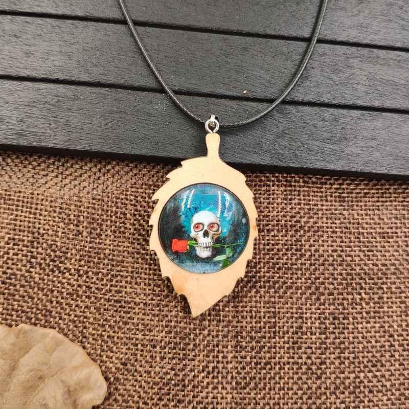2019 Punk wisiorek drewno drewniany naszyjnik liny czas klejnot kwiat czaszka pirata terroru śmierci Party męskie Halloween prezent AB011-014