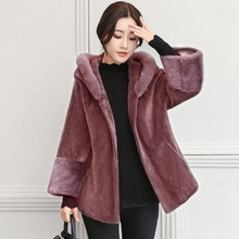 2017 Winter Women Are Very Overcoat Fashionable New Sheep Sheared Coat Short Coat Short Hat Imitation Fur Coat Repair Body